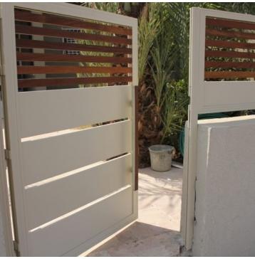 שער כניסה משולב עץ